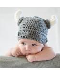 Gorro crochet casco vikingo para bebé
