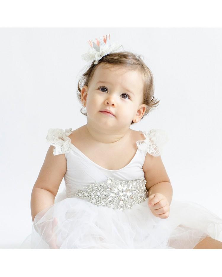 Vestido de princesa con cinturon de brillantes