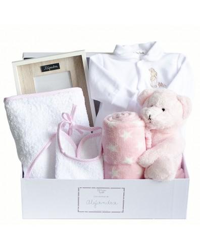 Canastilla en tonos rosas y blancos para niñas