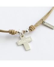 Gargantilla con cruz de plata grabada