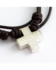 Cruz de plata personalizada en cord