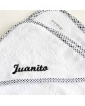 Capa de baño blanco y negro