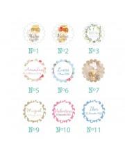 6 pulseras de perlas para invitados con medalla grabada