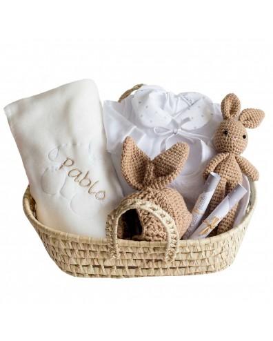 Cesta bebé gorrito crochet con peluche