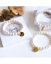 6 pulseras de perlas bautizo con medalla dorada