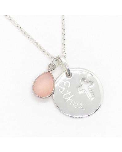 Collar con medalla de plata cruz calada perlita y nombre