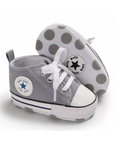 Zapatillas bebe tipo converse