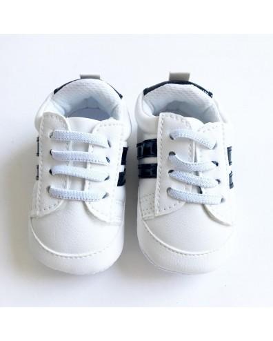 Zapatilla tipo Adidas con...